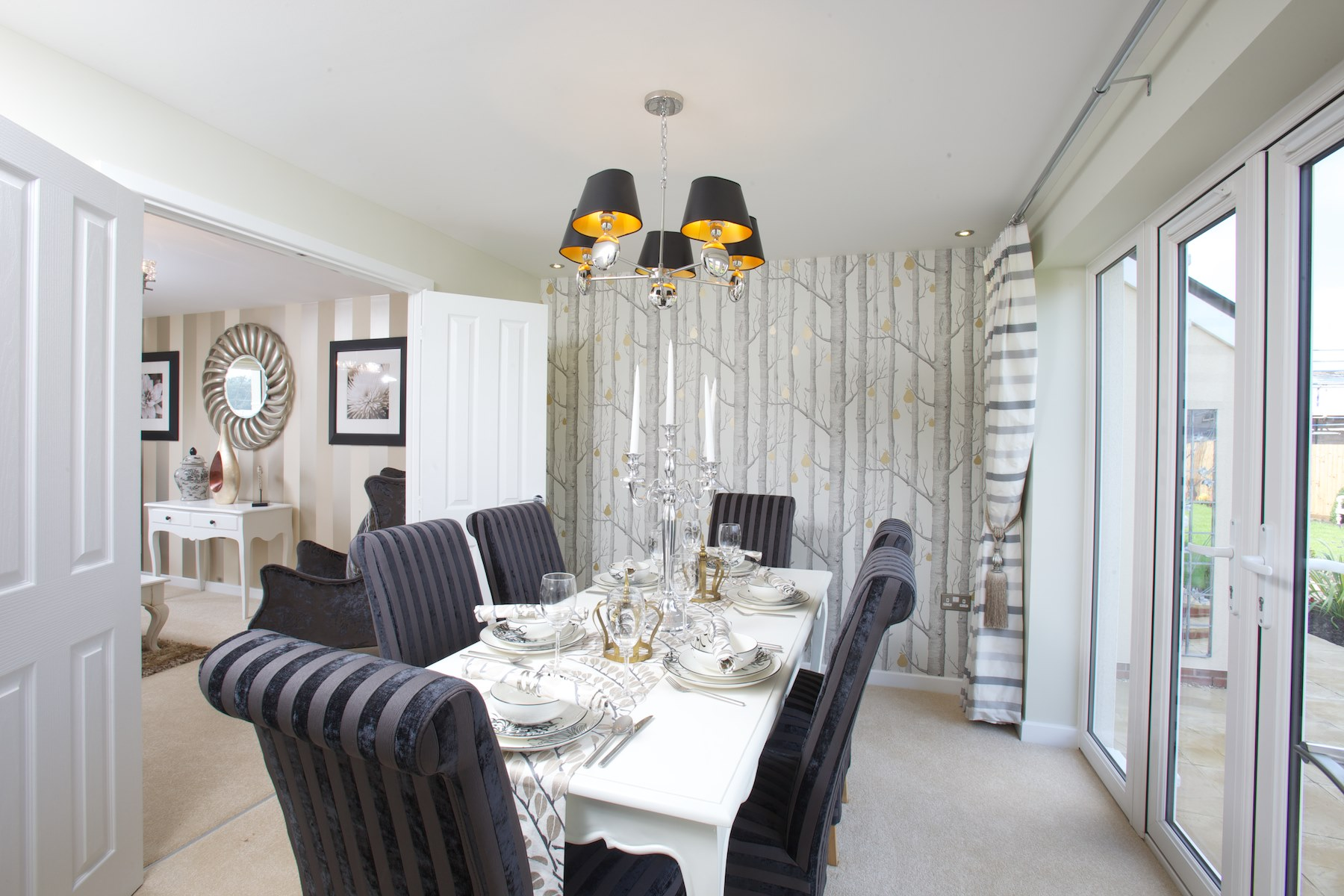 Lyde green new homes in emersons green taylor wimpey for Greens dining room zetland road bristol