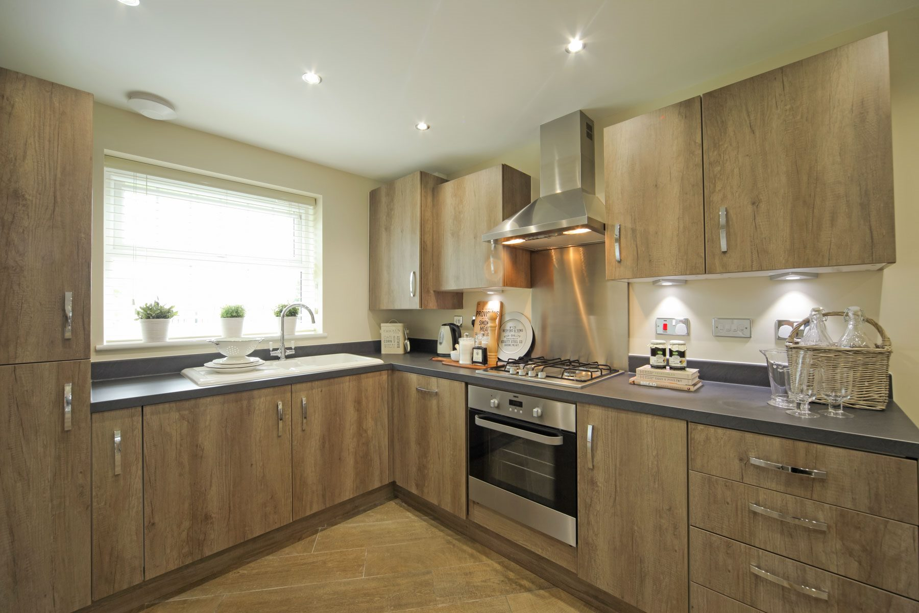 The alton g at bramley wood taylor wimpey for Perfect kitchen bramley