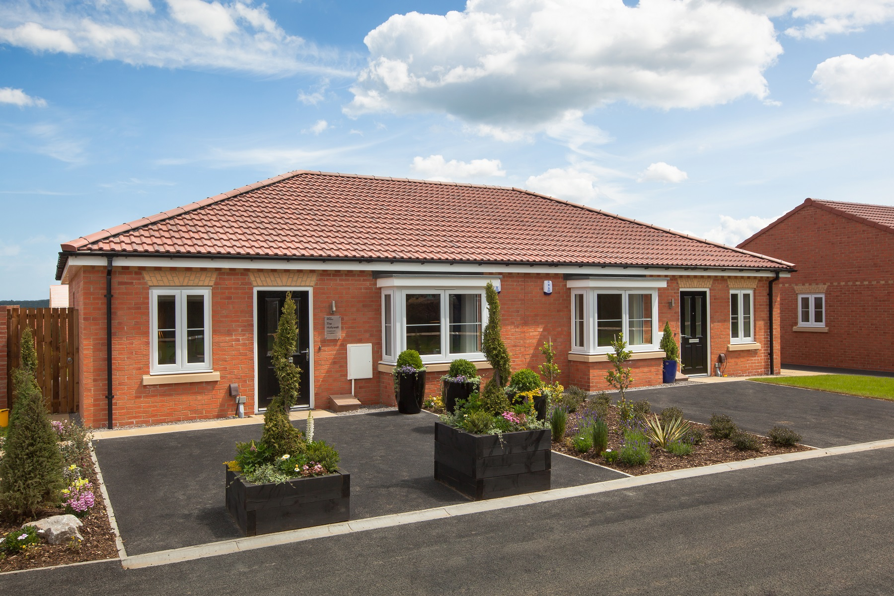 Plot 285 the hollywell detached taylor wimpey for Bungalow show homes