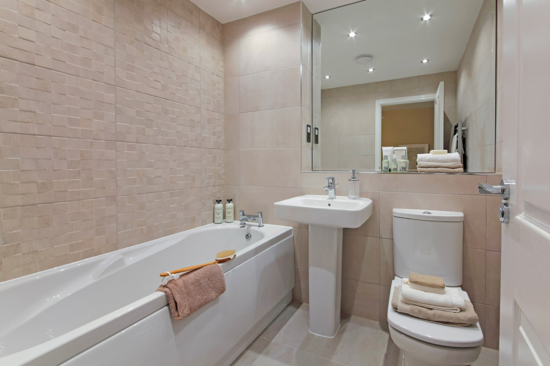 The heath at hampton wood stockport taylor wimpey for Bathroom designs manchester