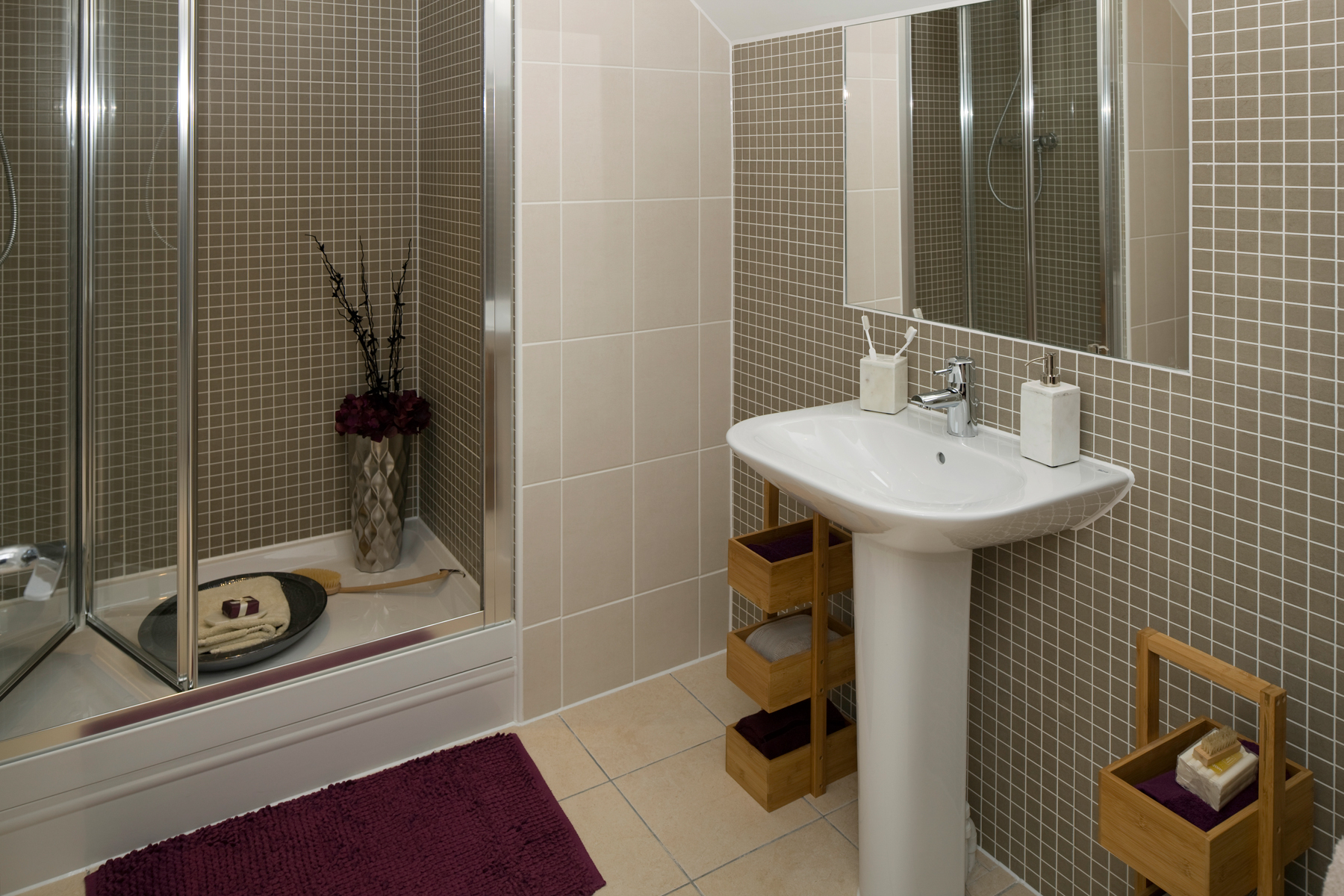 Leybourne chase new homes in kent taylor wimpey for Show home bathrooms