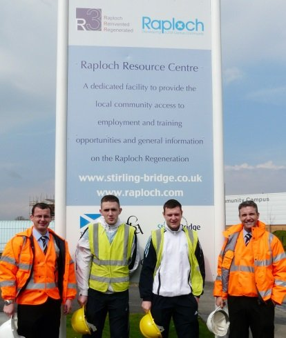 Raploch site managers and apprentices