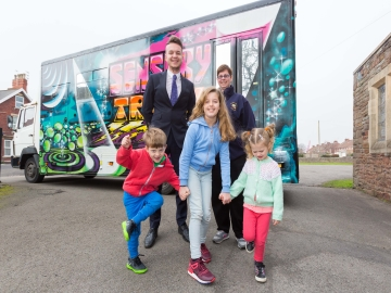WEB Taylor Wimpey - Bristol Playbus Sensory Truck Visit - 2