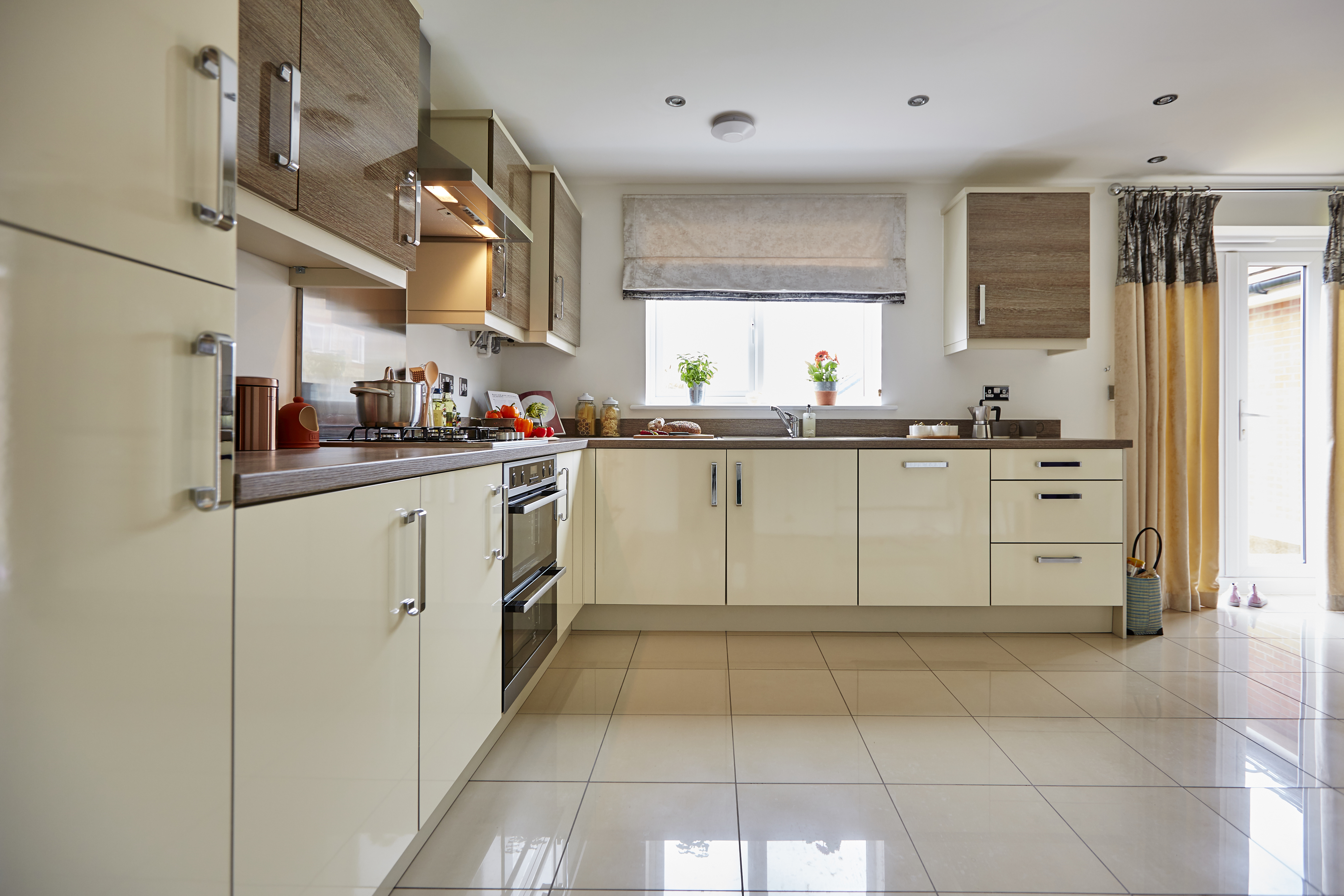 TW SWales_Kingsmead_Caerphilly_PA44_Midford_Kitchen