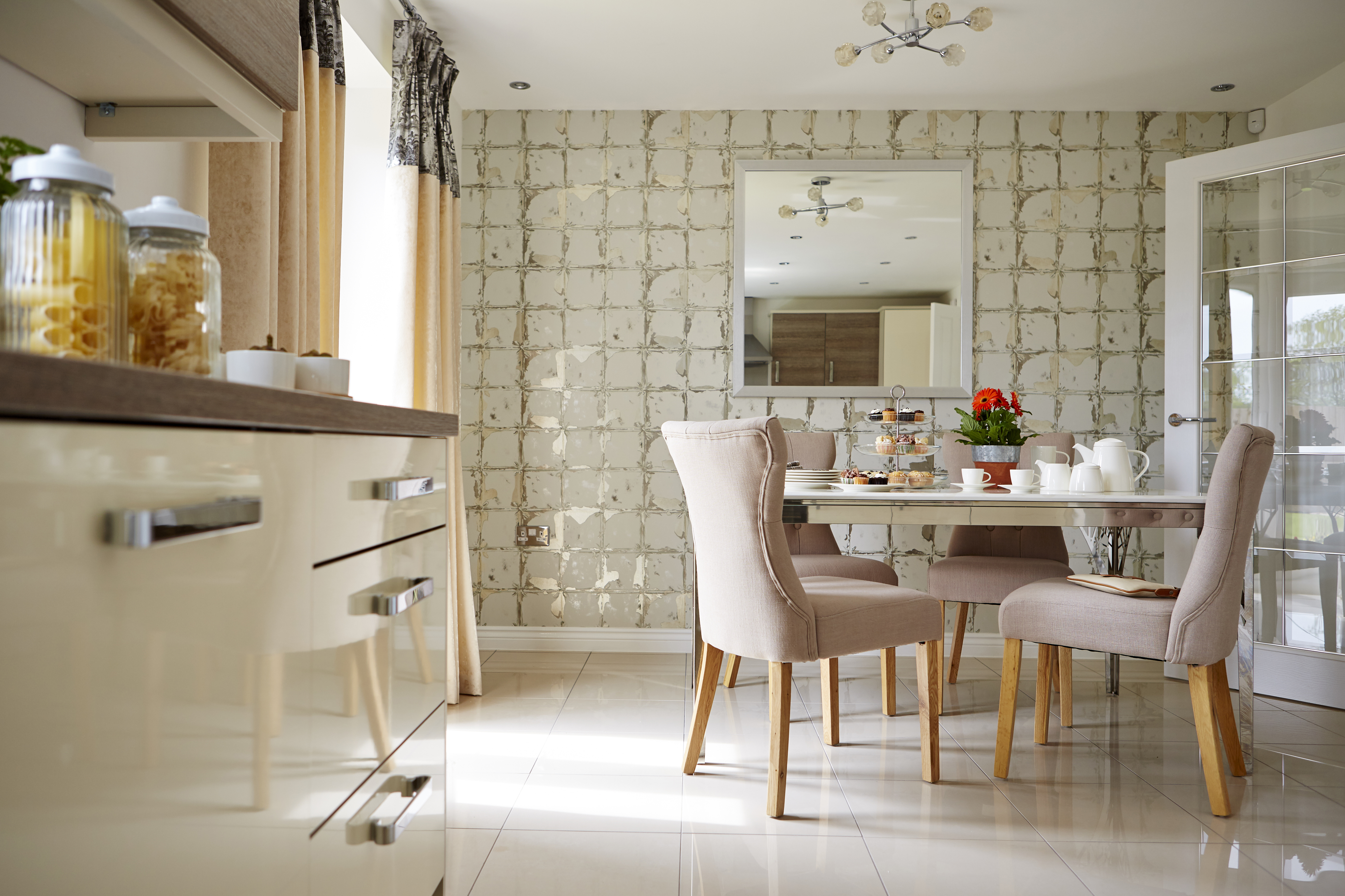 TW SWales_Kingsmead_Caerphilly_PA44_Midlford_Dining_Kitchen