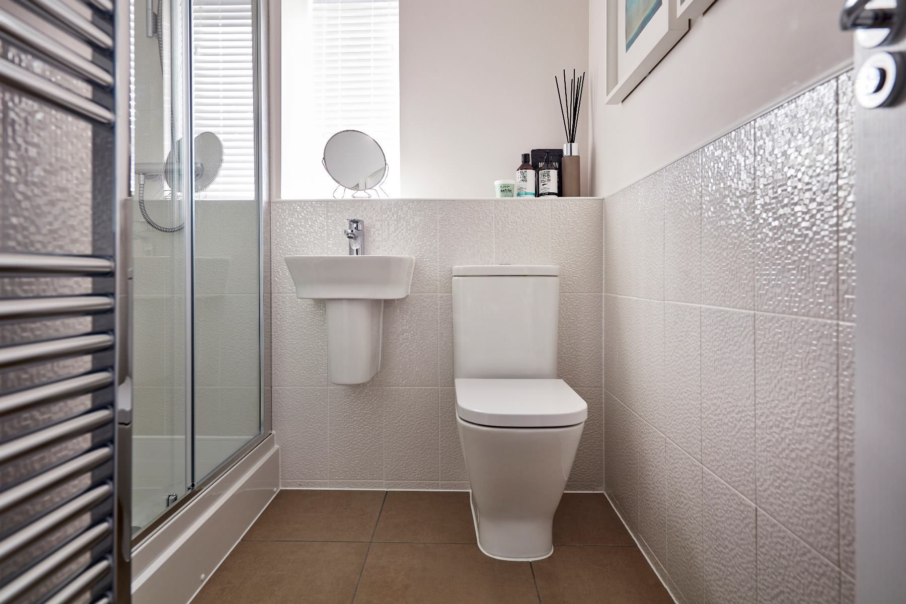 Taylor Wimpey home - Chedworth En Suite Shower Room