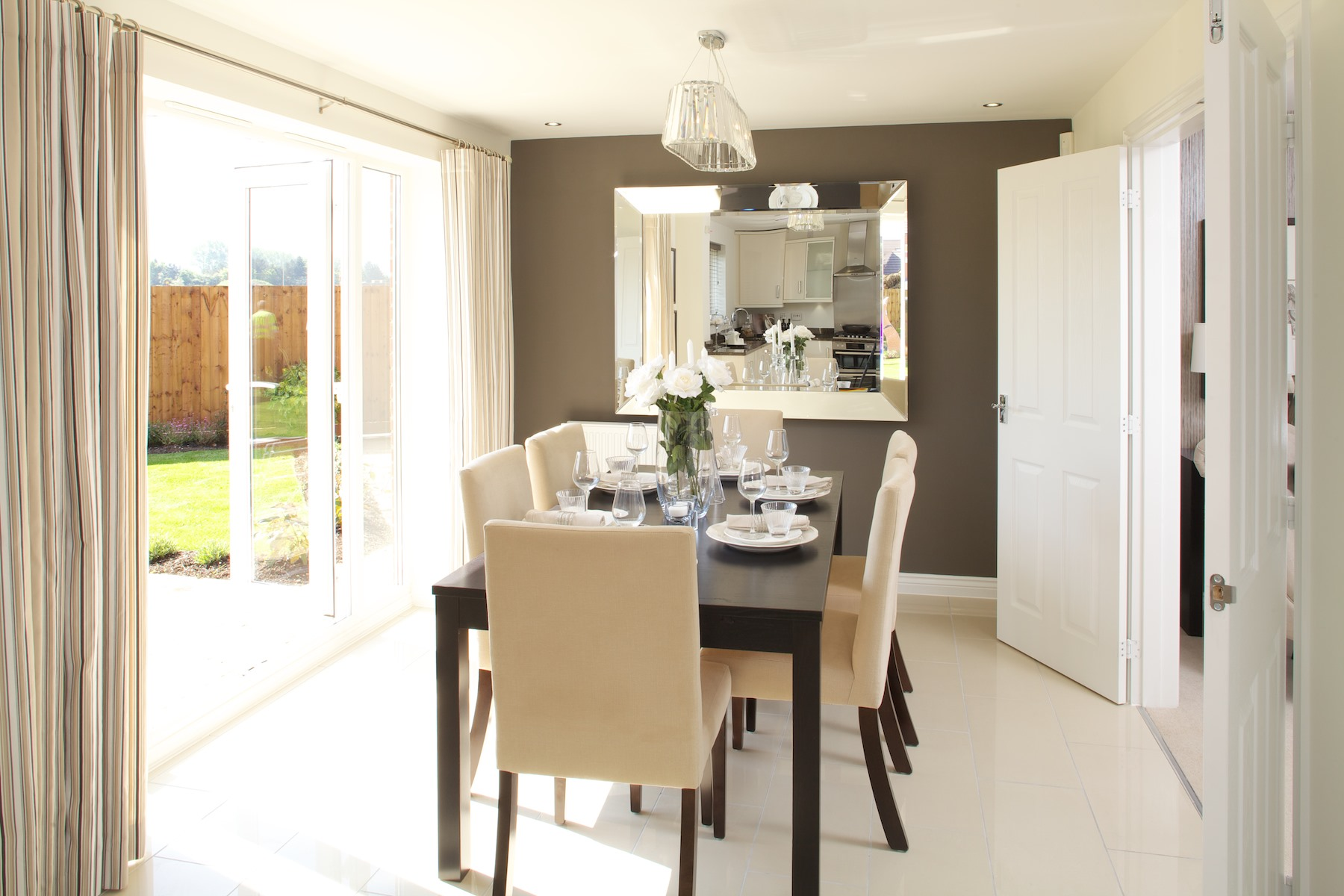 Kings Copse show home - Dining area