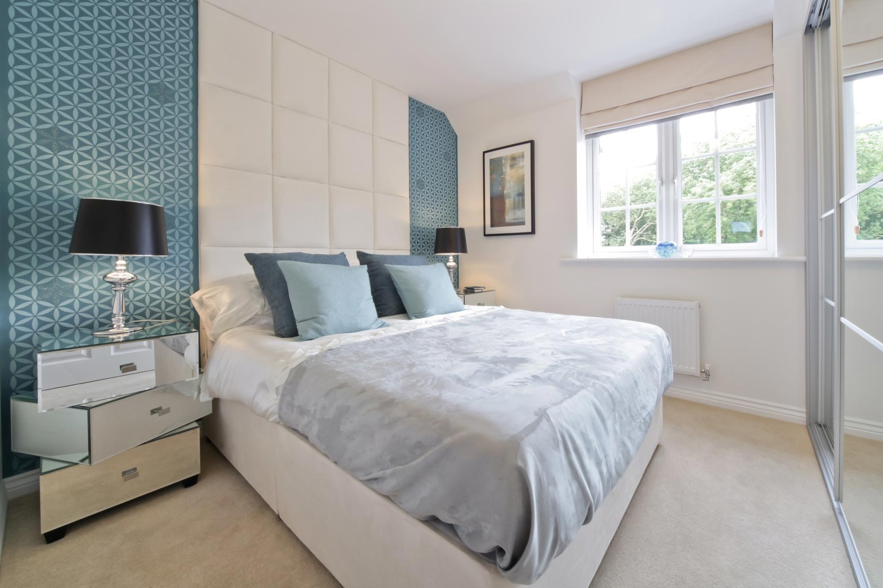 Taylor Wimpey - Typical master bedroom