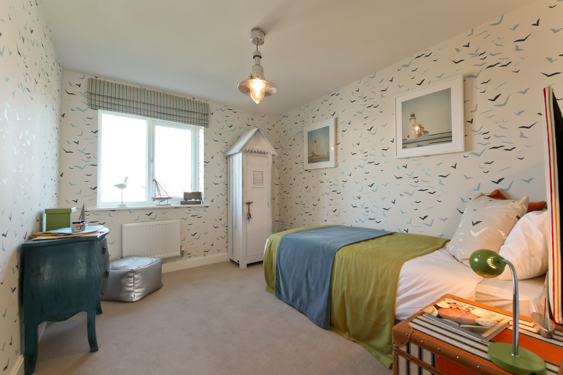 Taylor Wimpey - typical bedroom 3