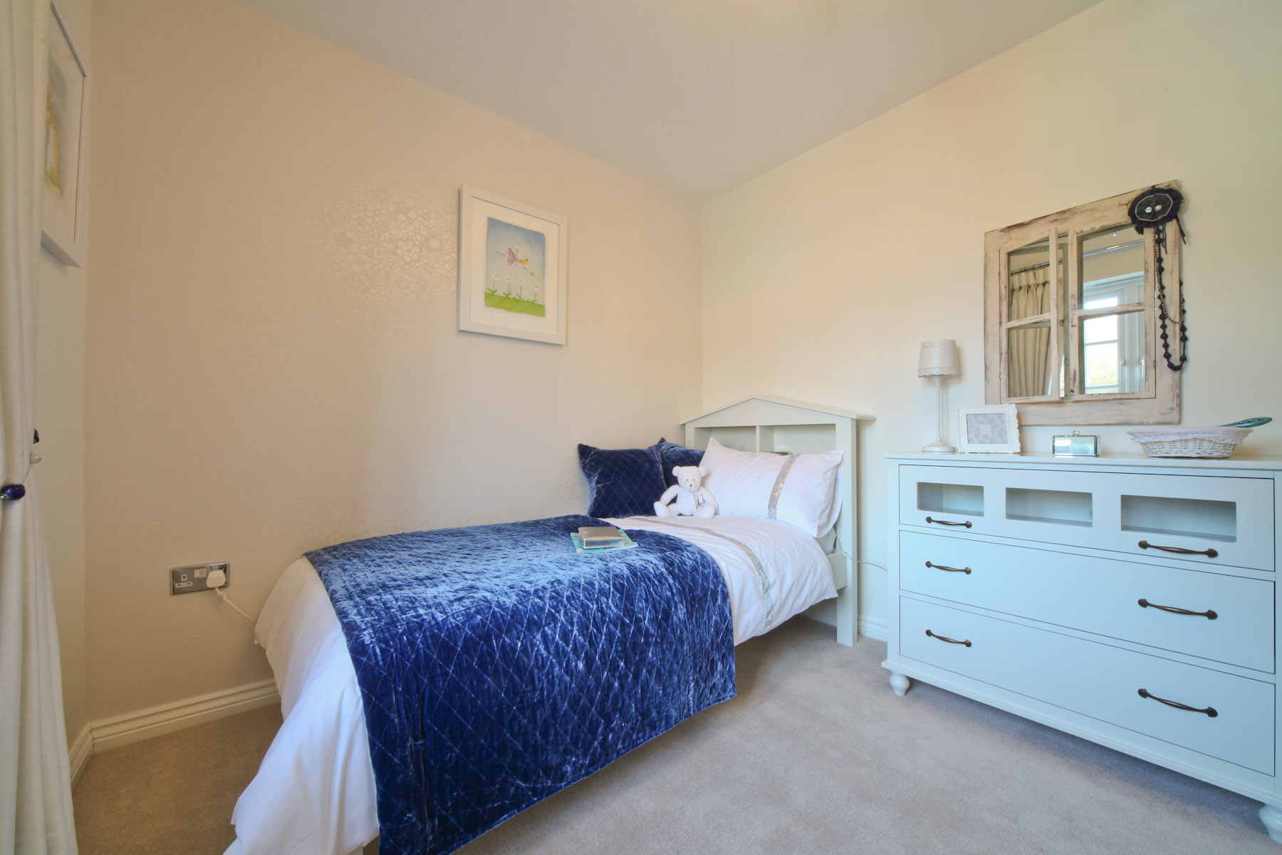 Taylor Wimpey typical 4th bedroom 2