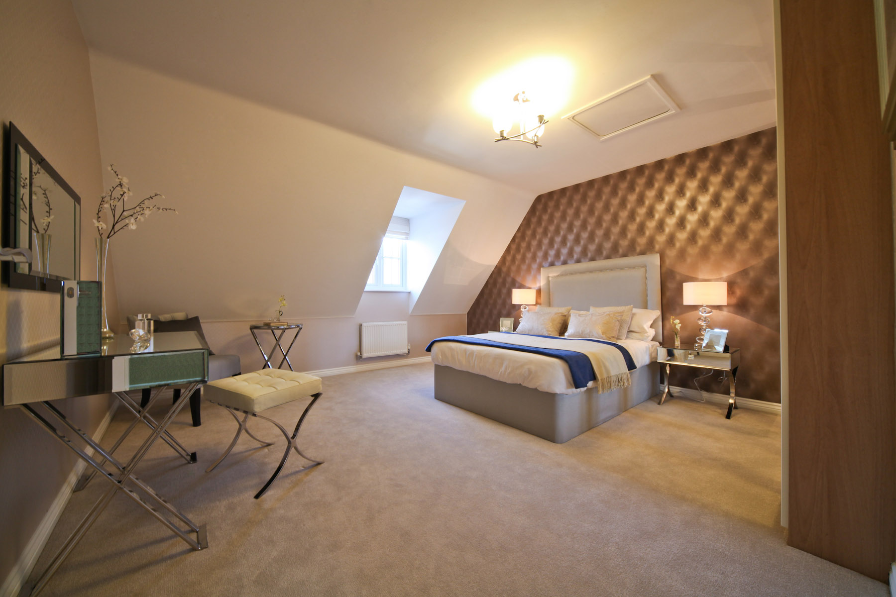 Taylor Wimpey typical bedroom