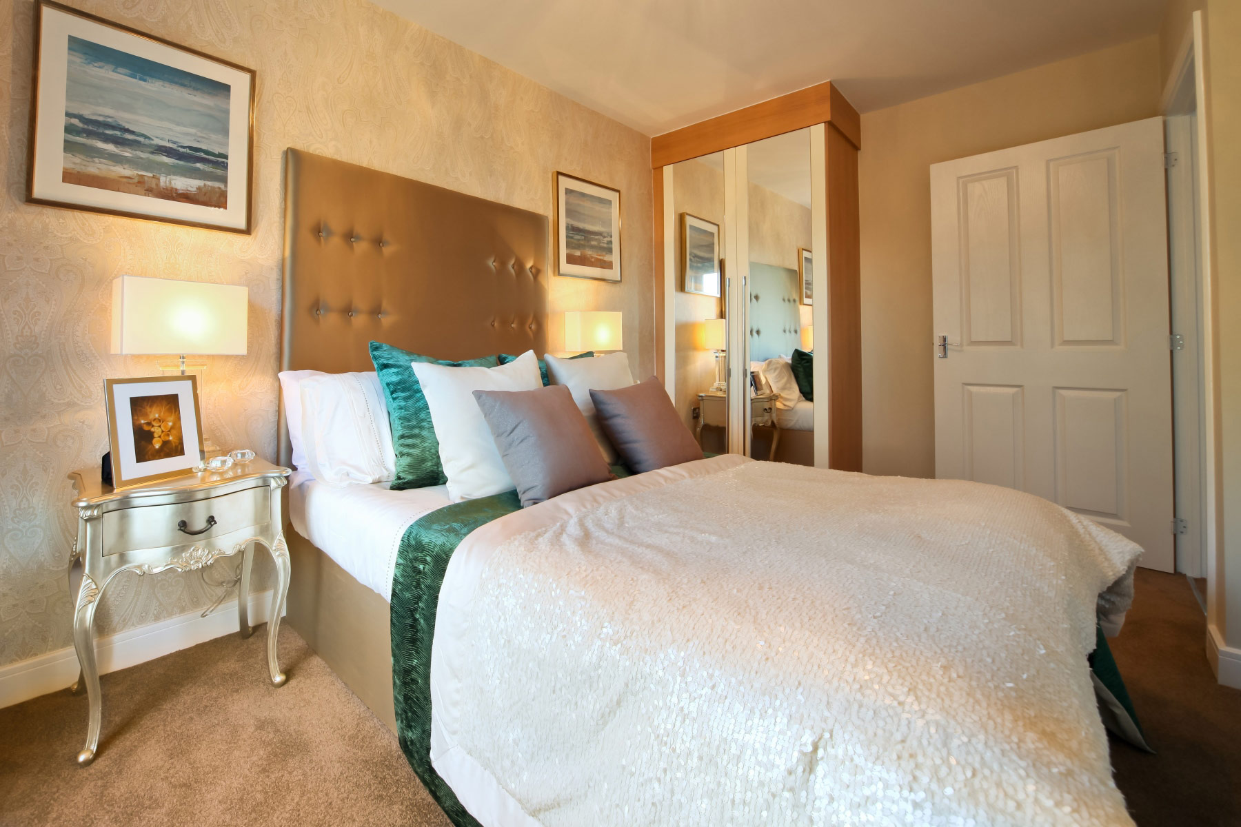 Taylor Wimpey -Typical Bedroom-2