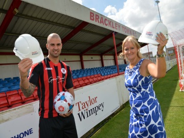 EM  Earls Manor  Brackley Town FC Sponsorship 1  web ready