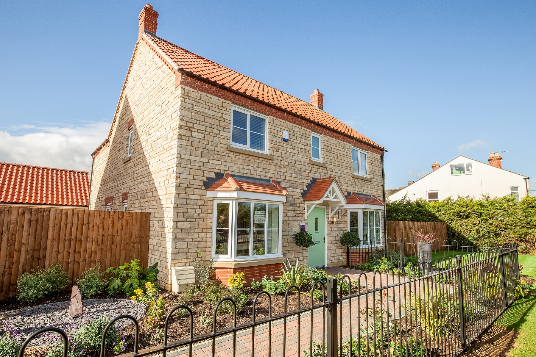 TW EM_Windmill Meadow_Harringworth_Front Exterior 2