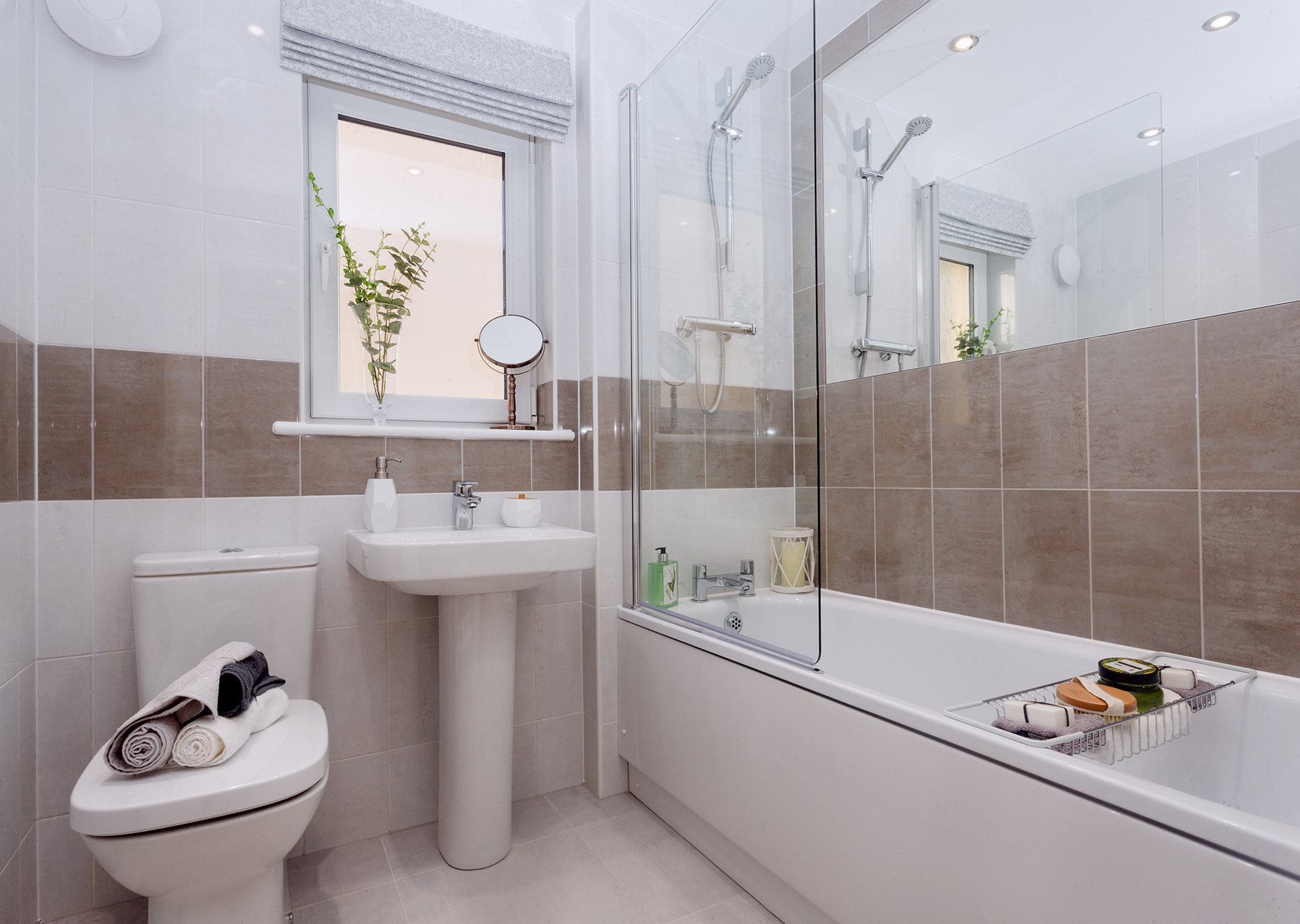 TW East Scotland_GreenlawMill_BAXTER_ Bathroom 2