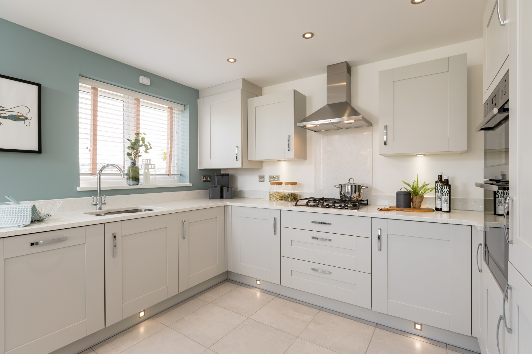 Taylor Wimpey Exeter - Buckingham Heights - Easdale example kitchen