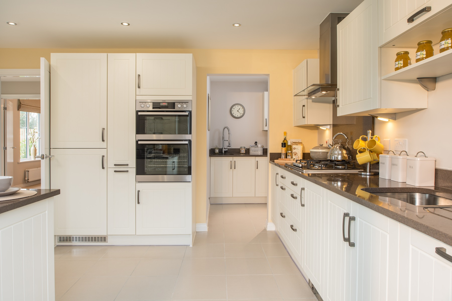 TW Exeter - Chy An Dowr - Kentdale example kitchen