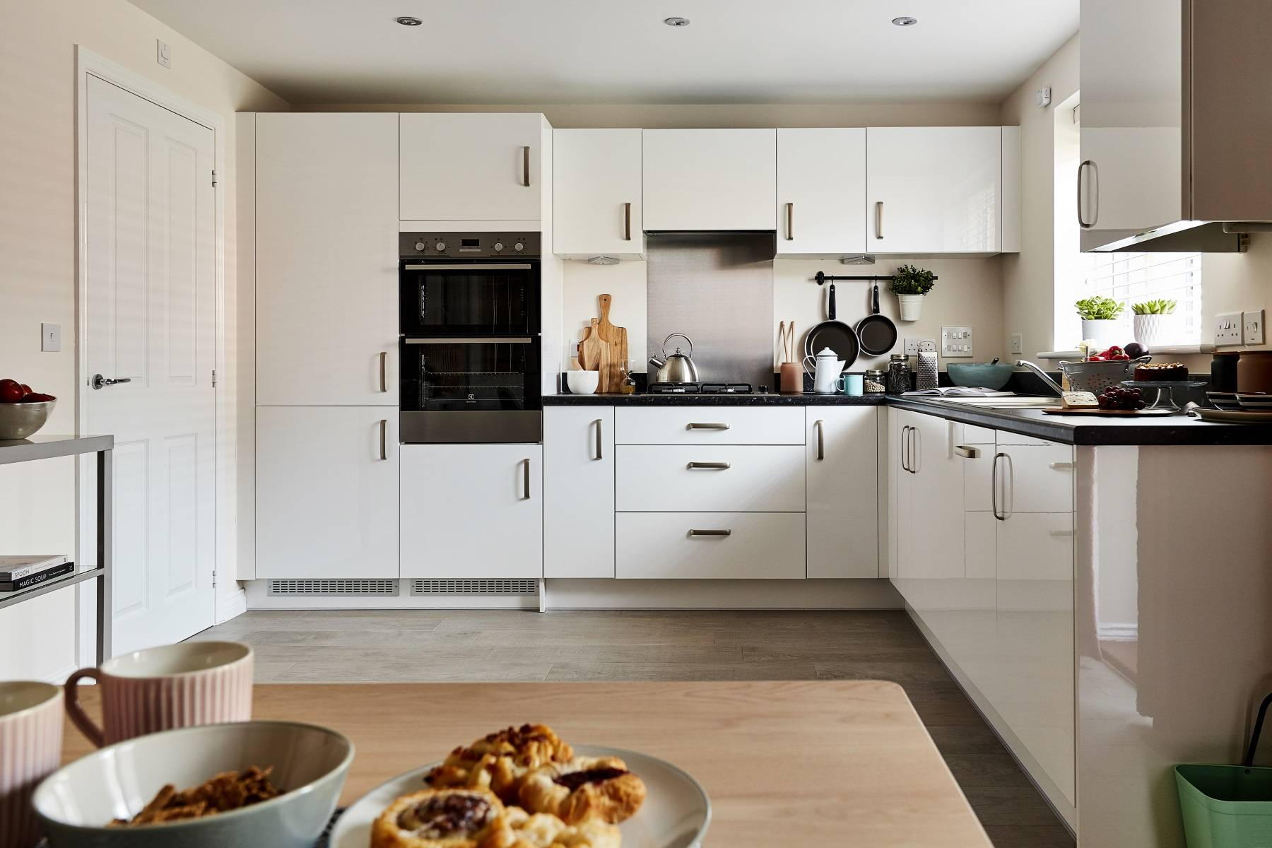 TW Exeter - Chy An Dowr - Midford example kitchen