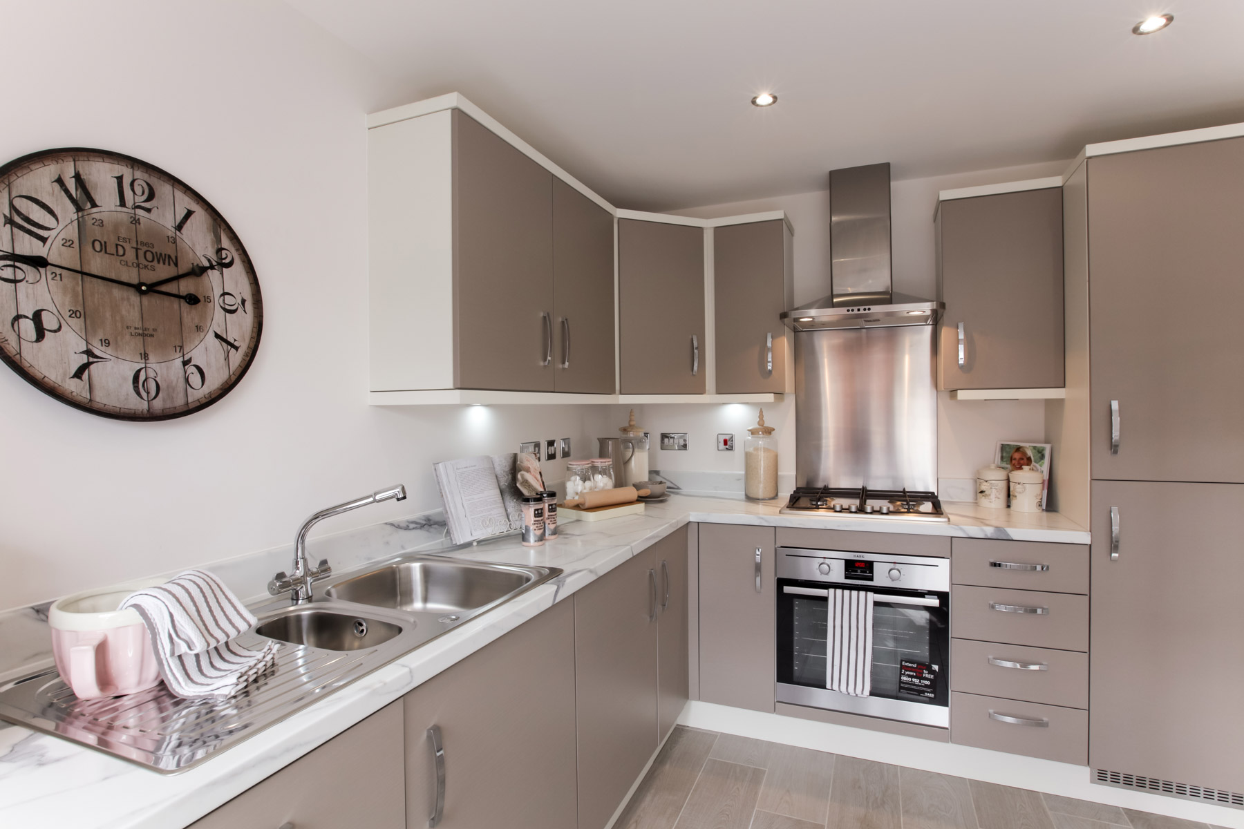TW Exeter - Copleston Heights - Flatford example kitchen