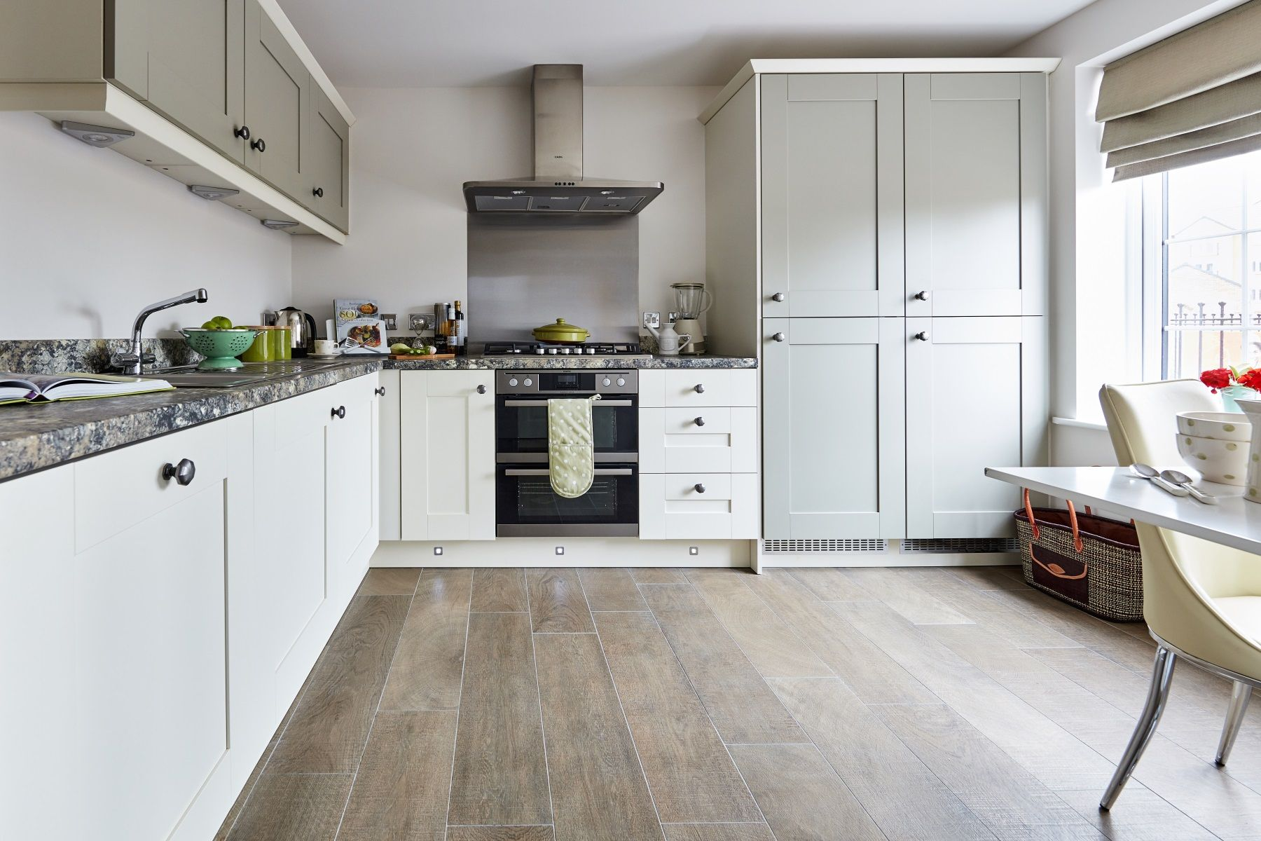 TW Exeter - Cranbrook - Charlbury example kitchen