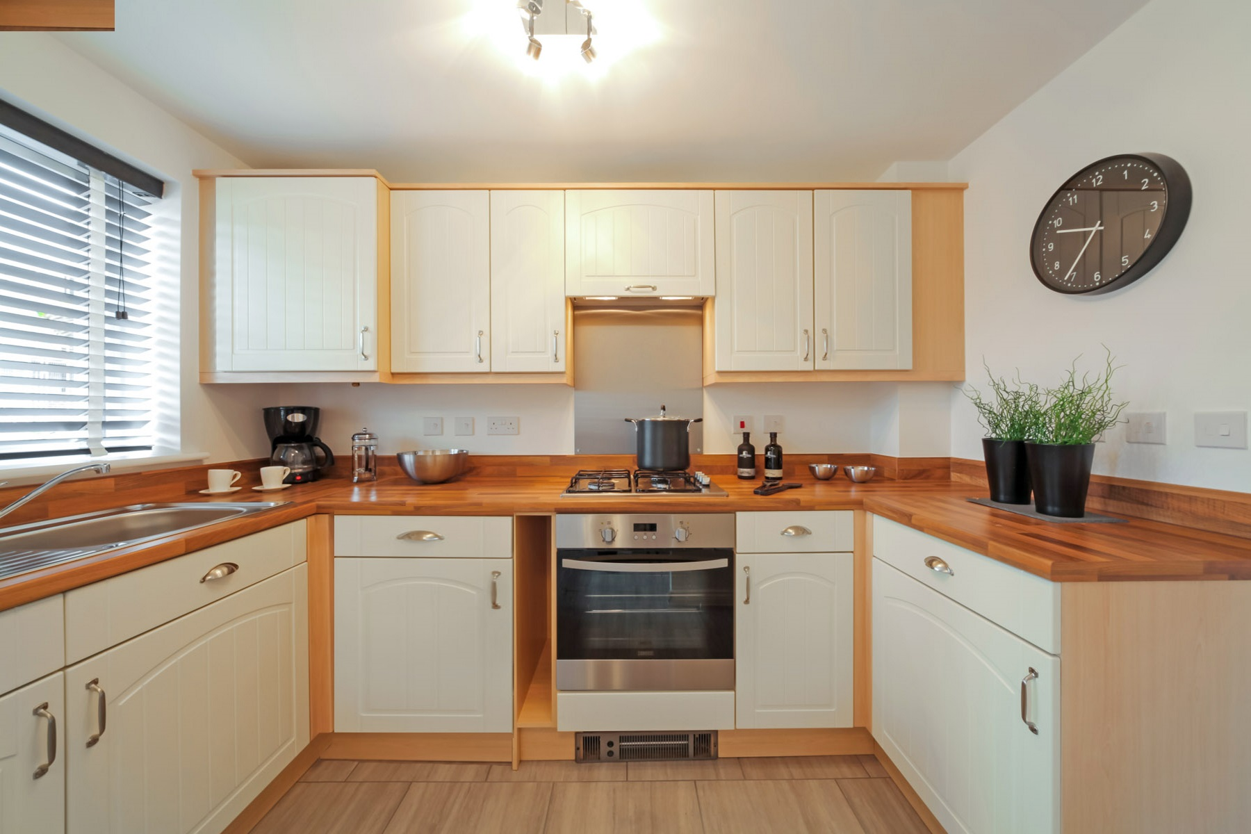 TW Exeter - Cranbrook - Beckford example kitchen