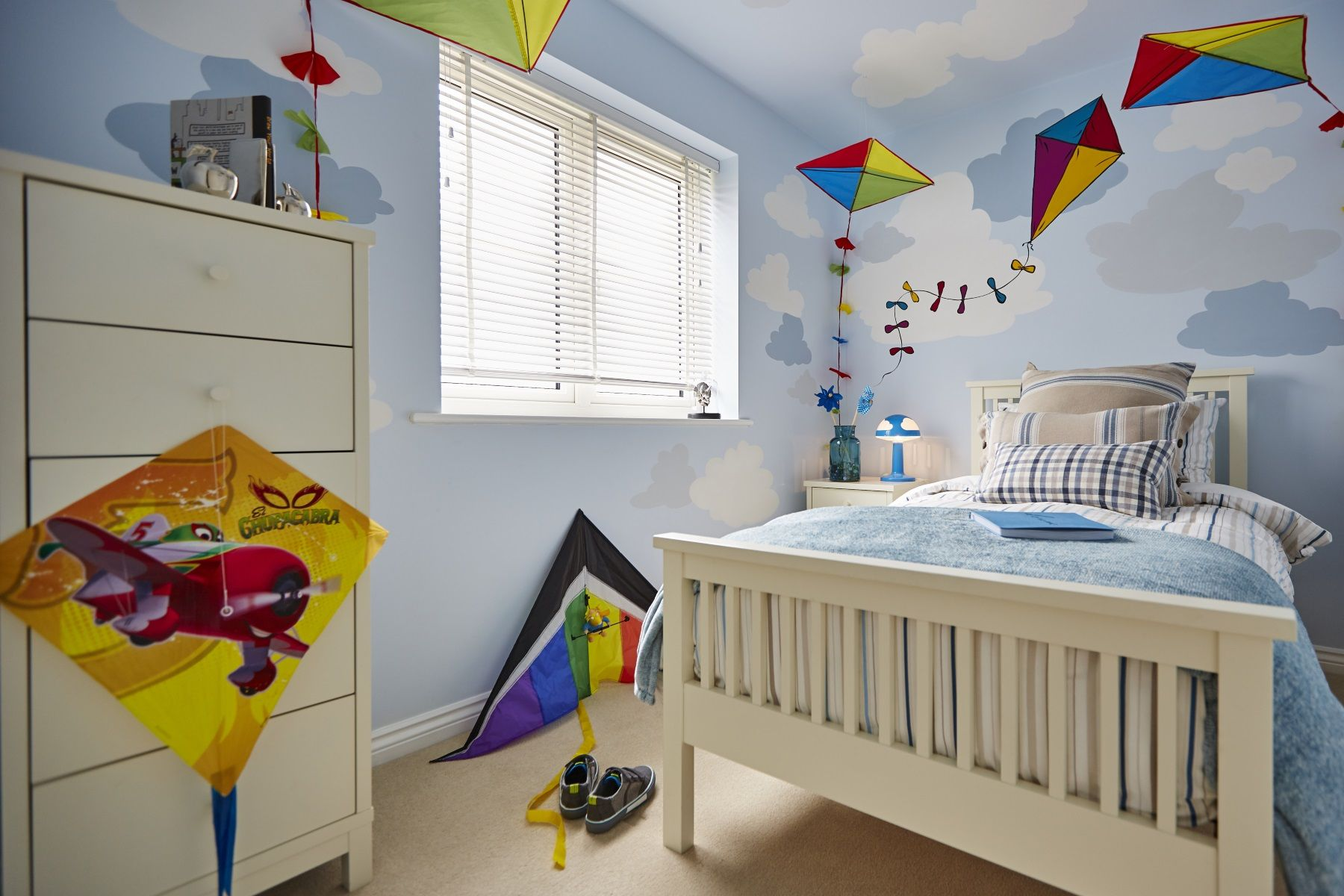 Taylor Wimpey Exeter - Cranbrook - Yewdale example bedroom 4