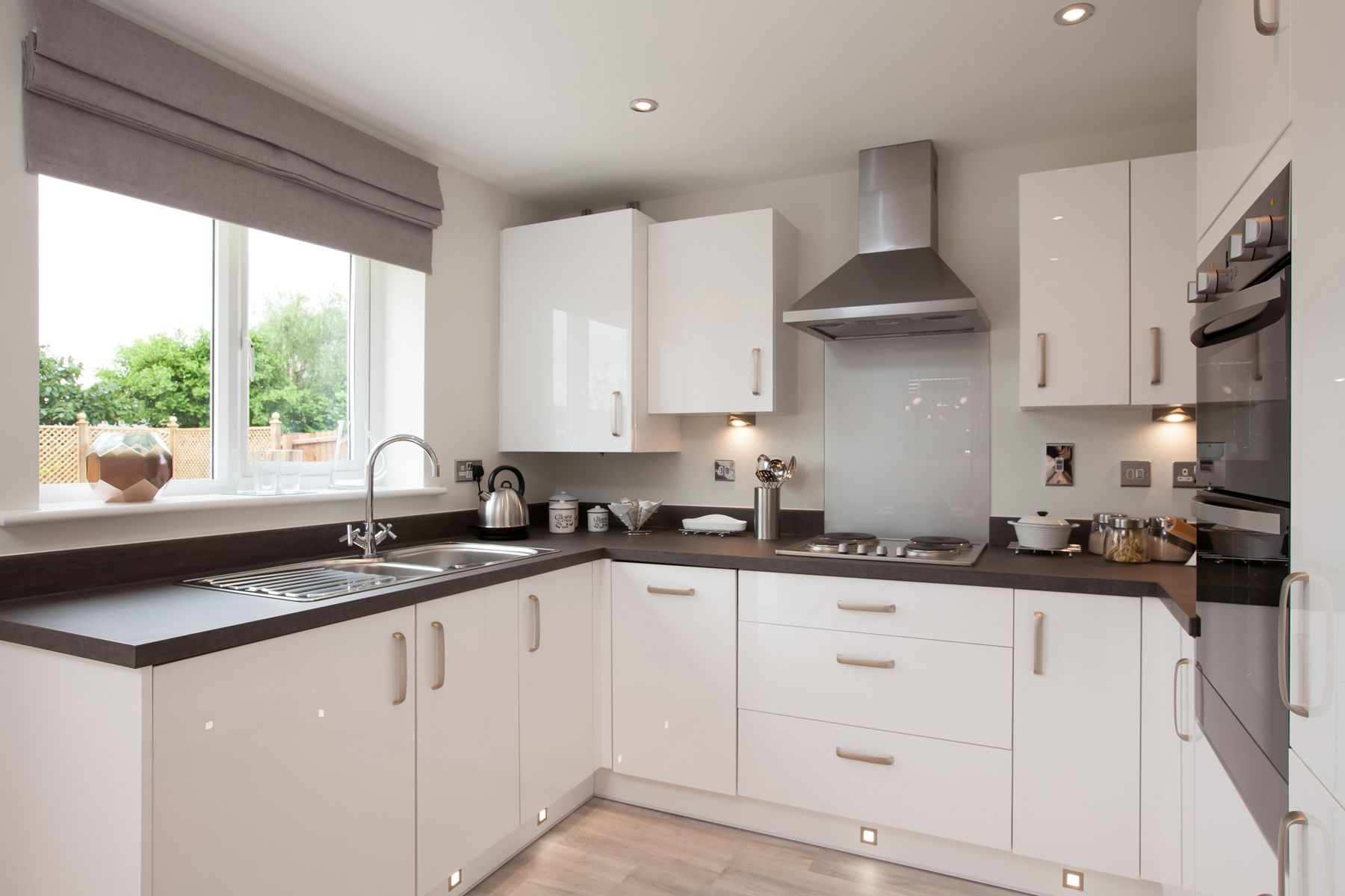Taylor Wimpey Exeter - Cranbrook - Milton example kitchen 2