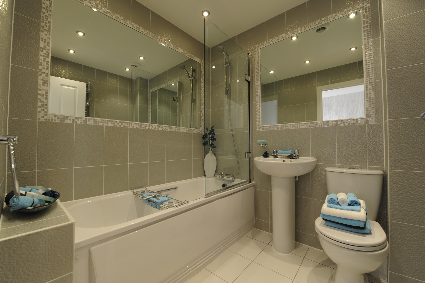 Hele Park Canford example bathroom