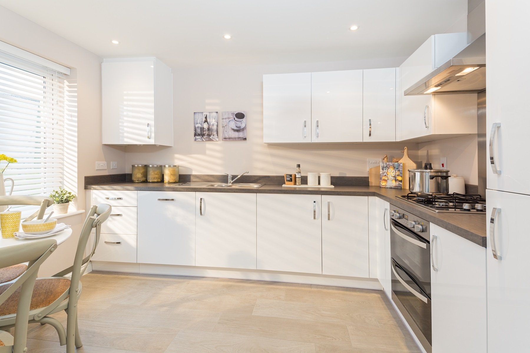 TW Exeter - Hele Park - Flatford example kitchen 2