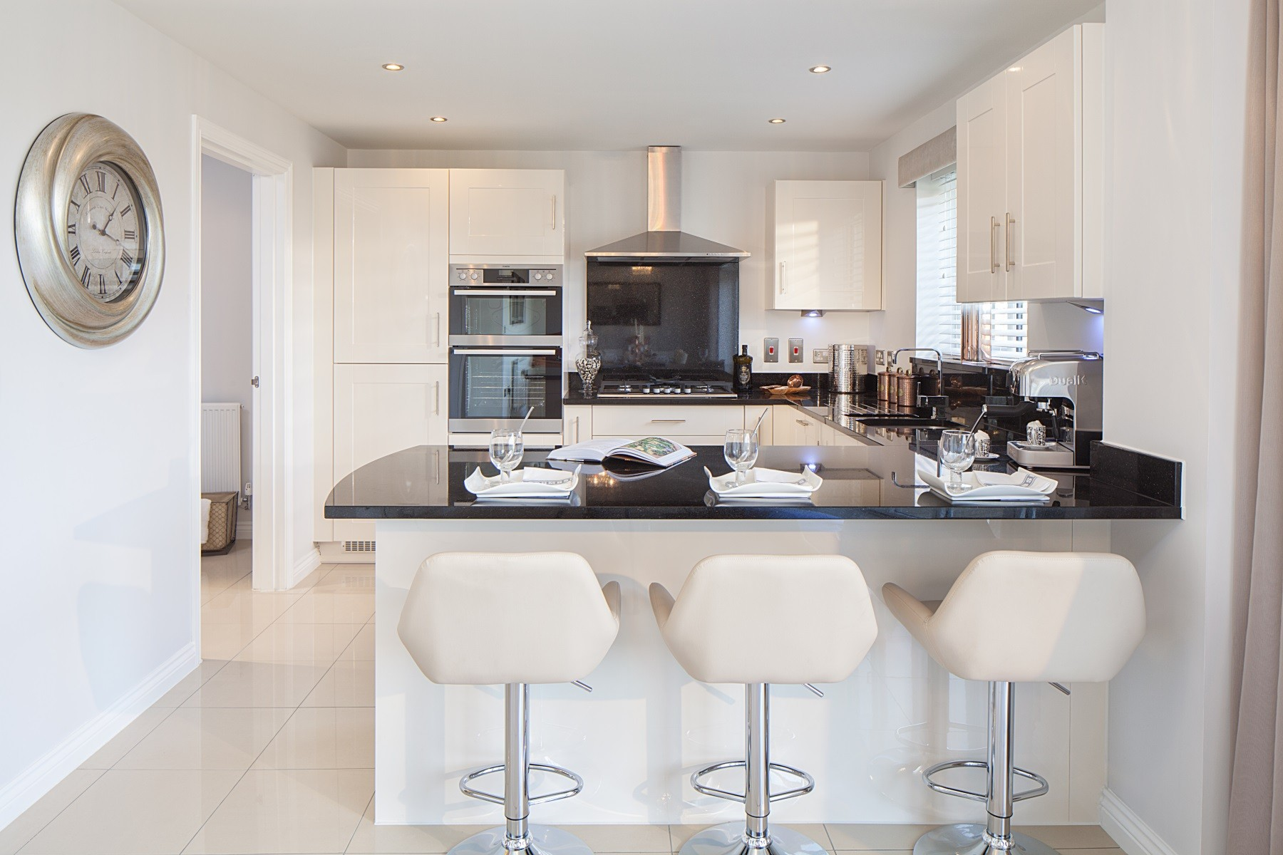 Hele Park Kennilworth example kitchen