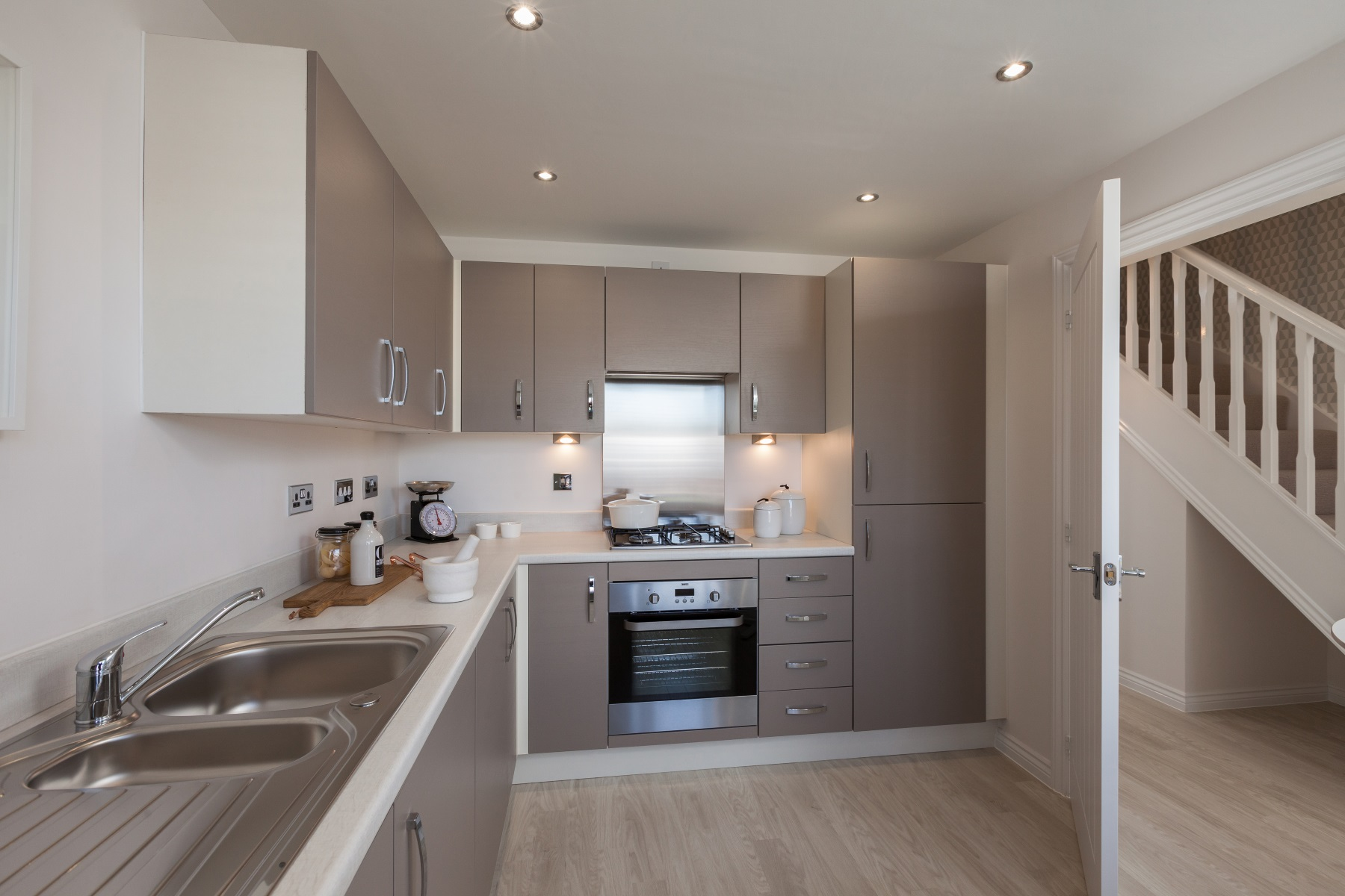 TW Exeter - Hele Park - Flatford example kitchen
