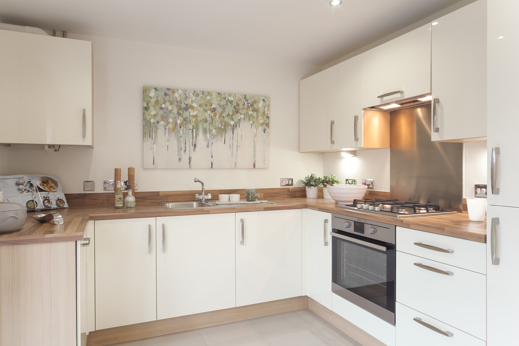 Taylor Wimpey - Cranbrook - Gosford example kitchen