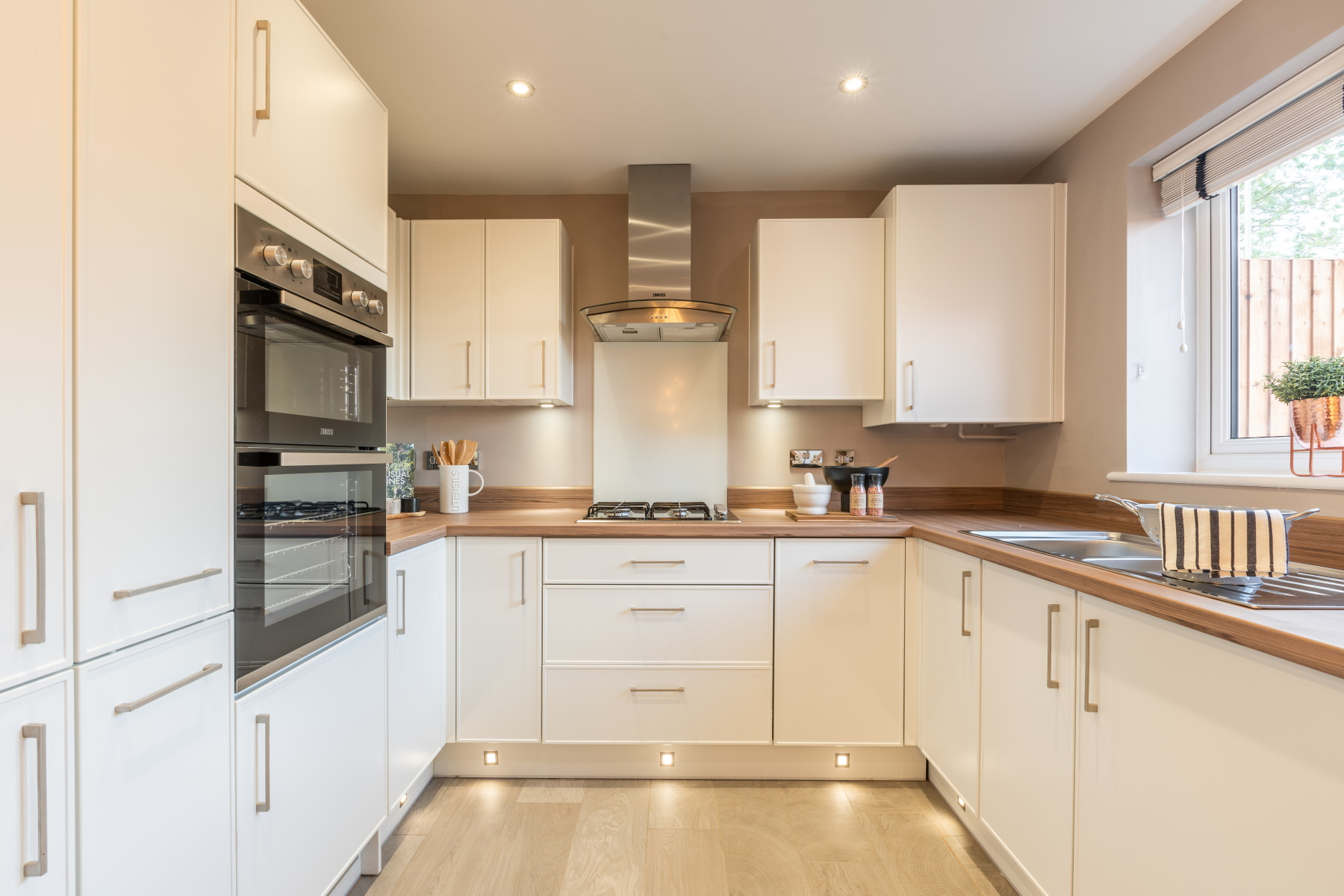 TW Exeter - Cranbrook - Gosford example kitchen