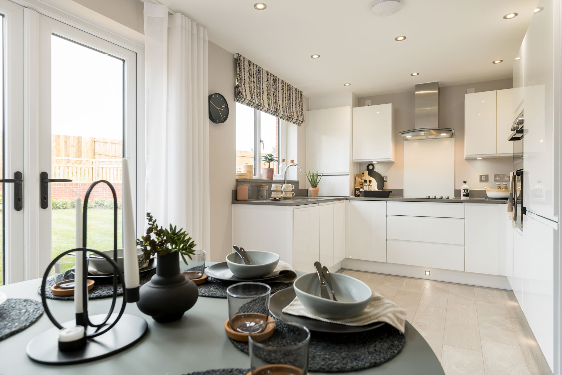 Taylor Wimpey - Mayfield Gardens - Byford kitchen