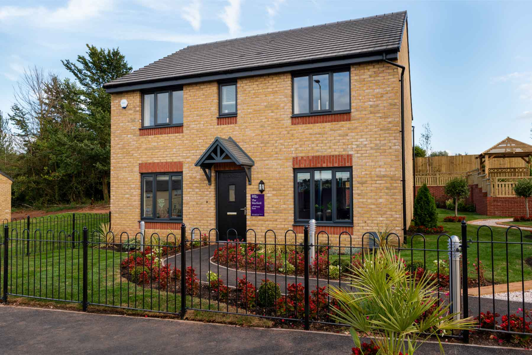 Taylor Wimpey - Mayfield Gardens - Marford external