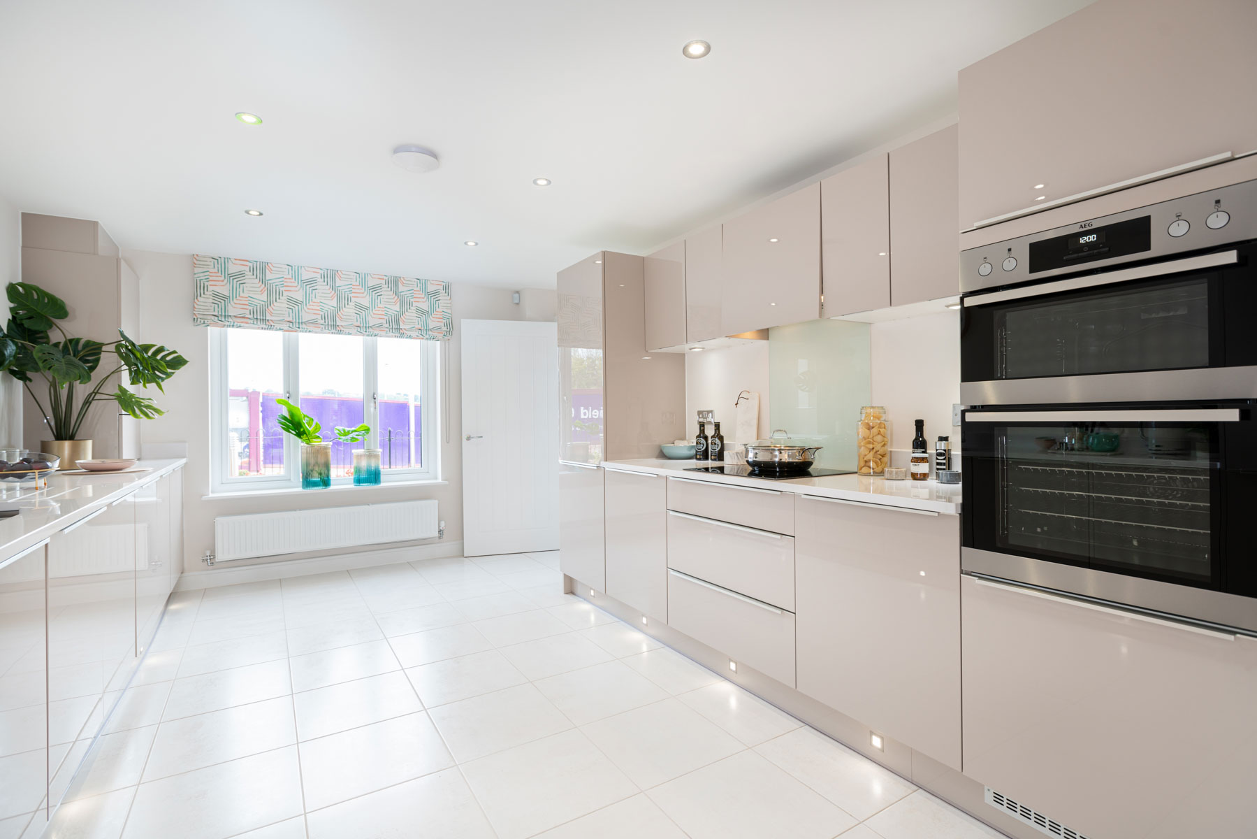 Taylor Wimpey - Mayfield Gardens - Marford kitchen 3