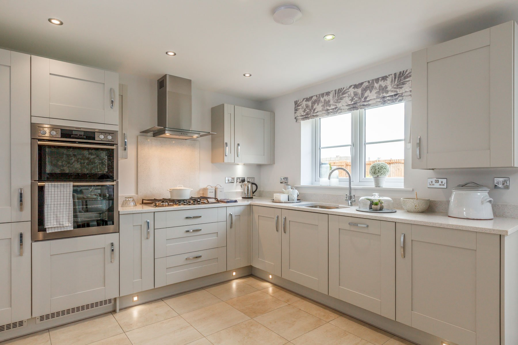 TW Exeter - Mountbatten Mews - Midford example kitchen