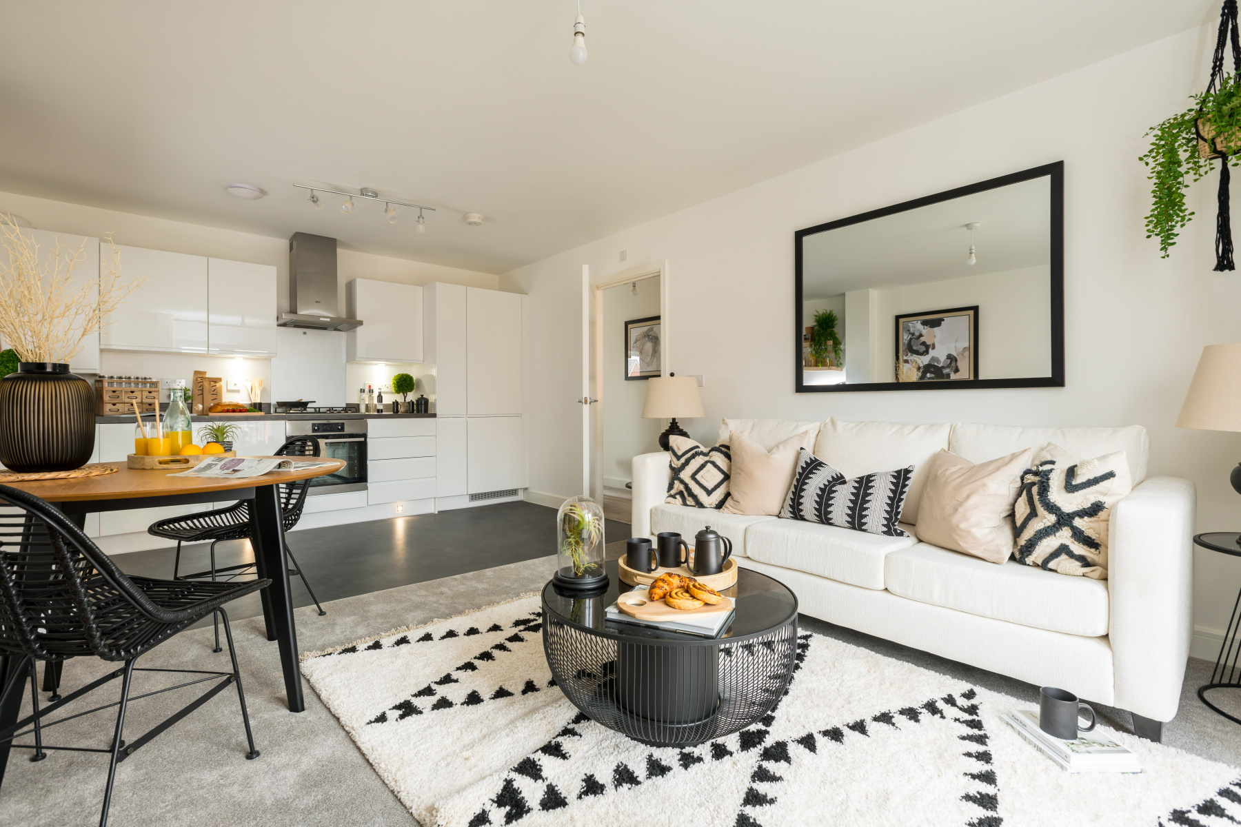 TW Exeter - Mountbatten Mews - Oaklea House example living room