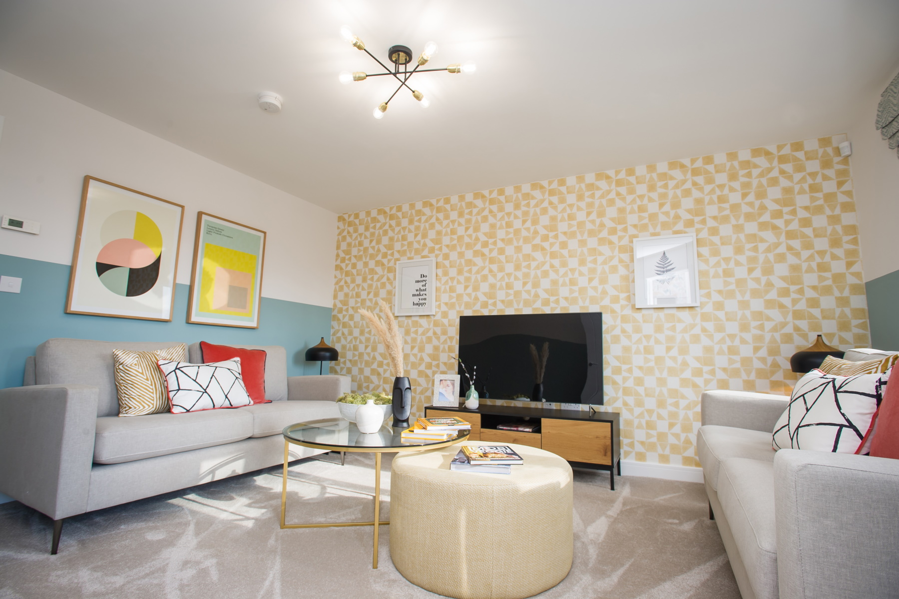 TW Exeter - Mountbatten Mews - Gosford living room
