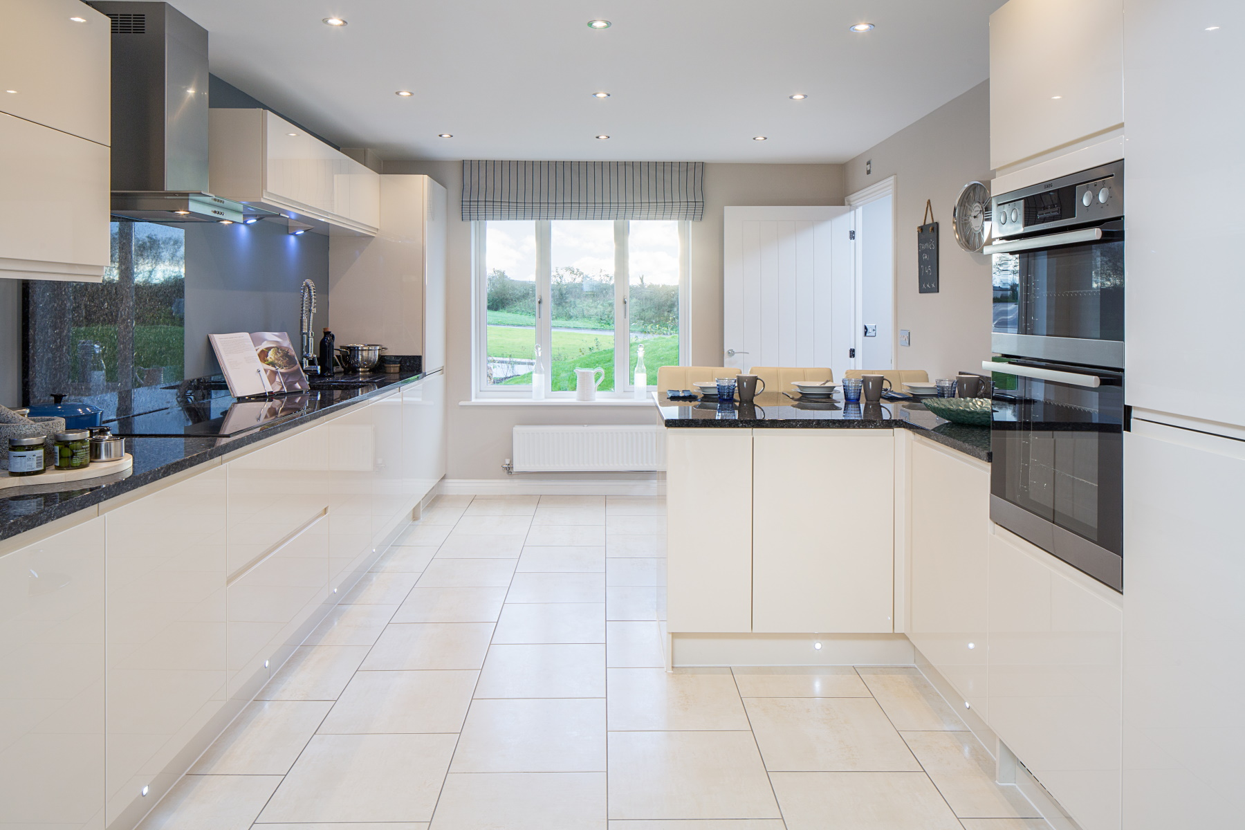 TW Exeter - Plumb Park - Weymouth example kitchen