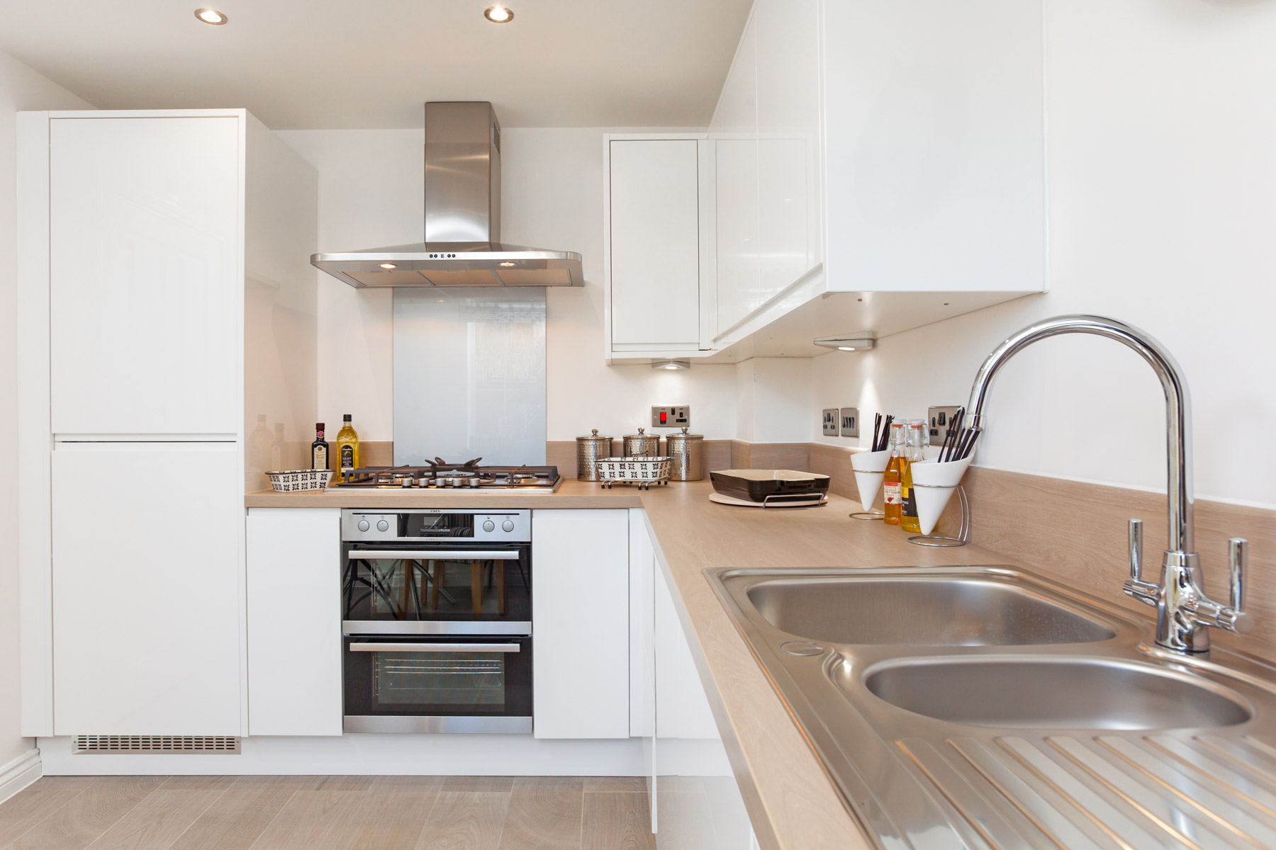 TW Exeter - Rackenford Meadow - Ashton example kitchen 2