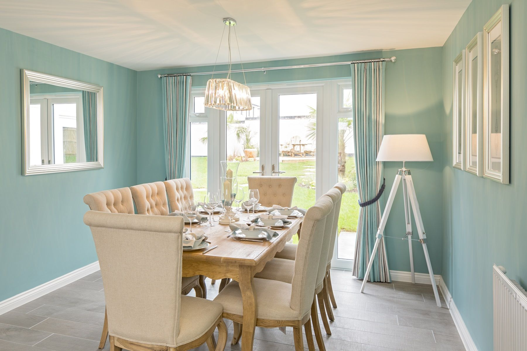 TW Exeter - Rackenford Meadow - Thornford example dining area