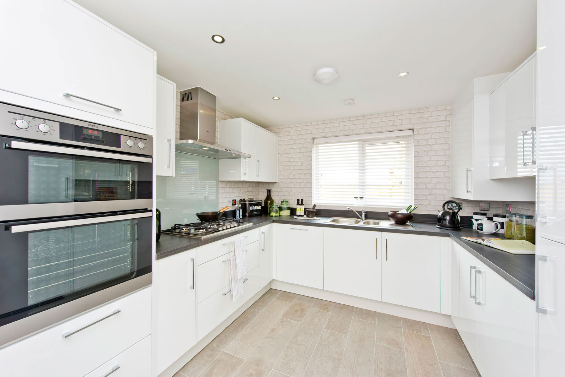TW Exeter - Rackenford Meadow - Yewdale example kitchen