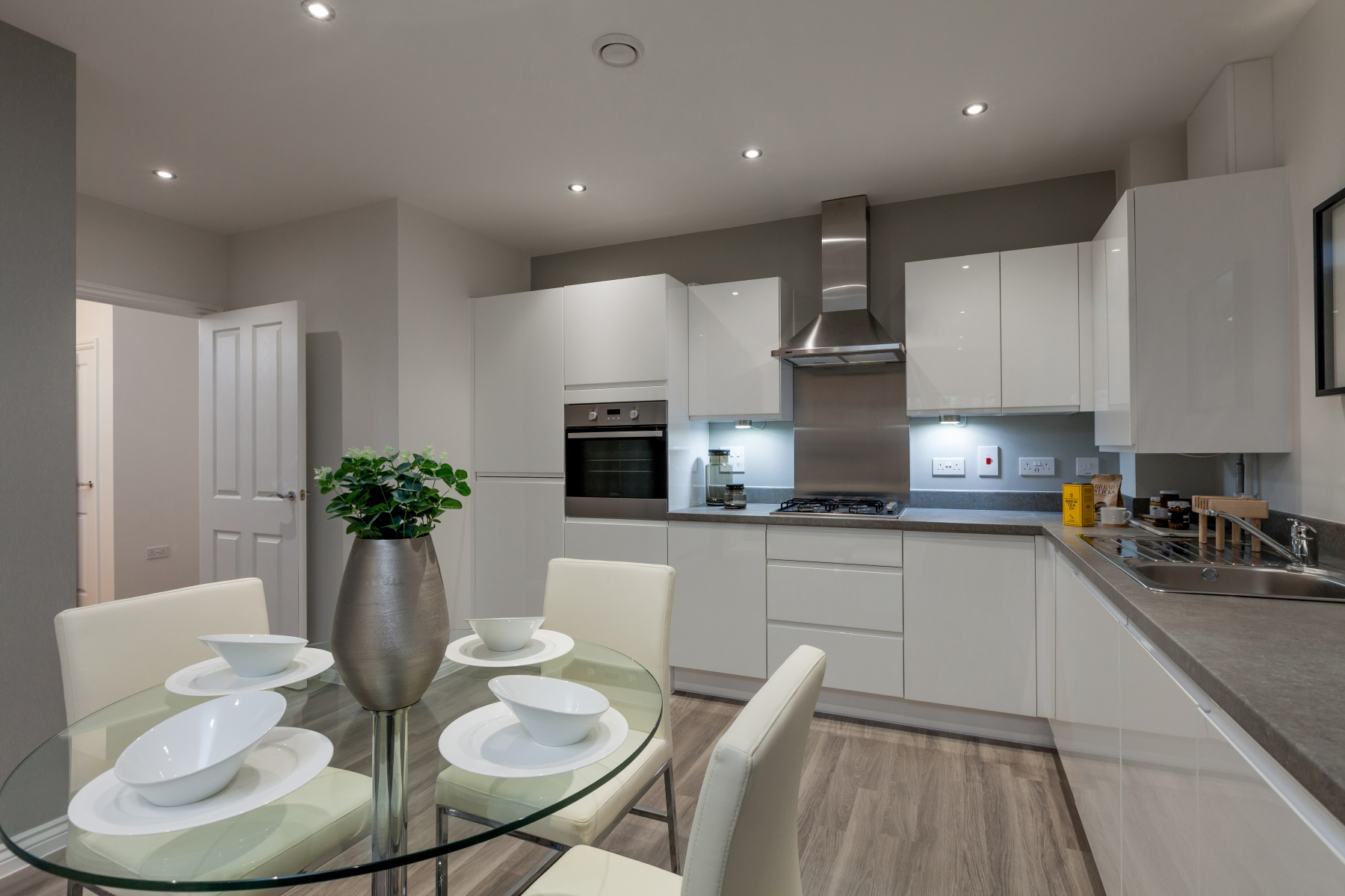 TW Exeter - Sherford - Dovedale example kitchen