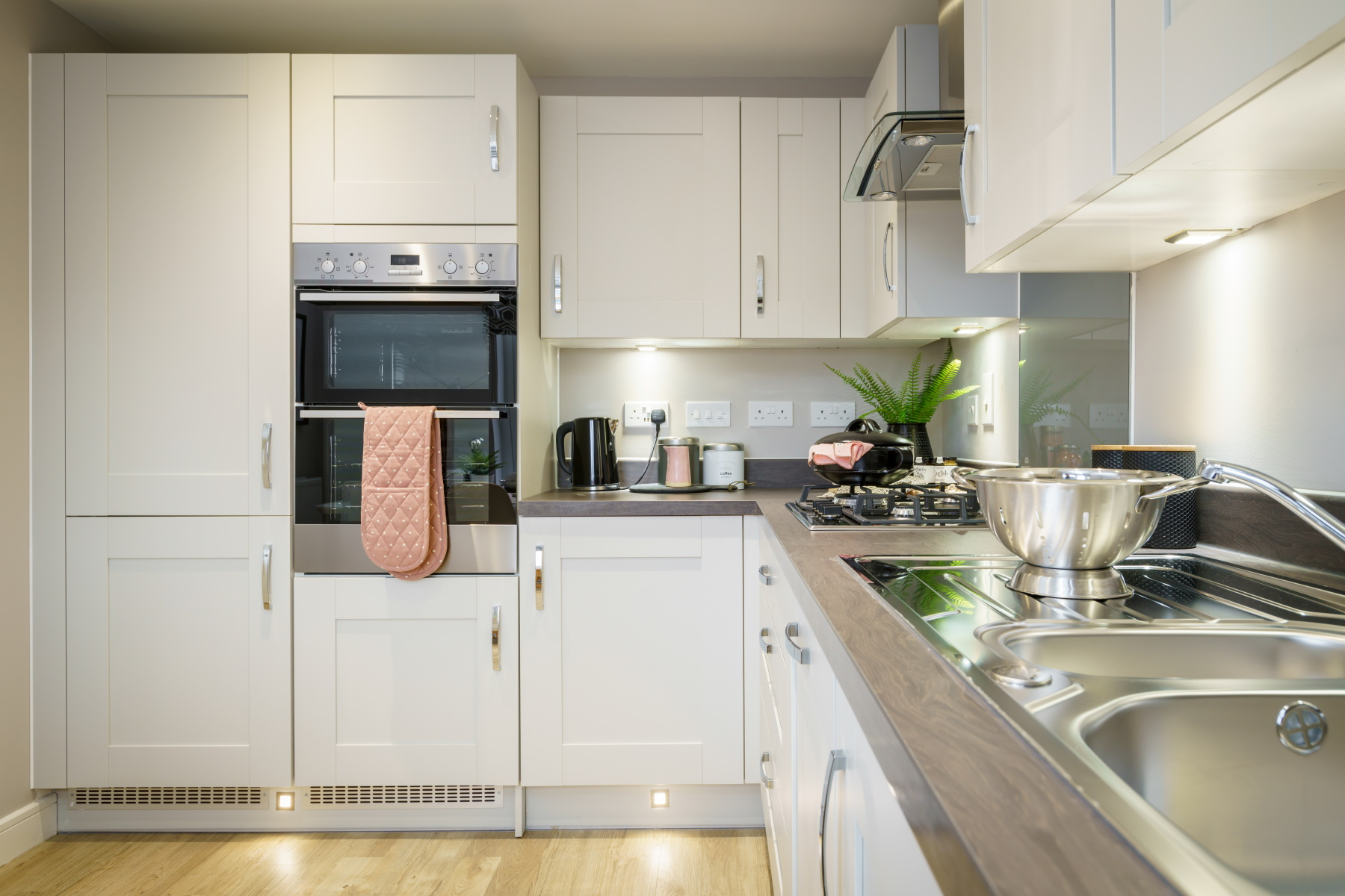 TW Exeter - Sherford - Laurel example kitchen 2