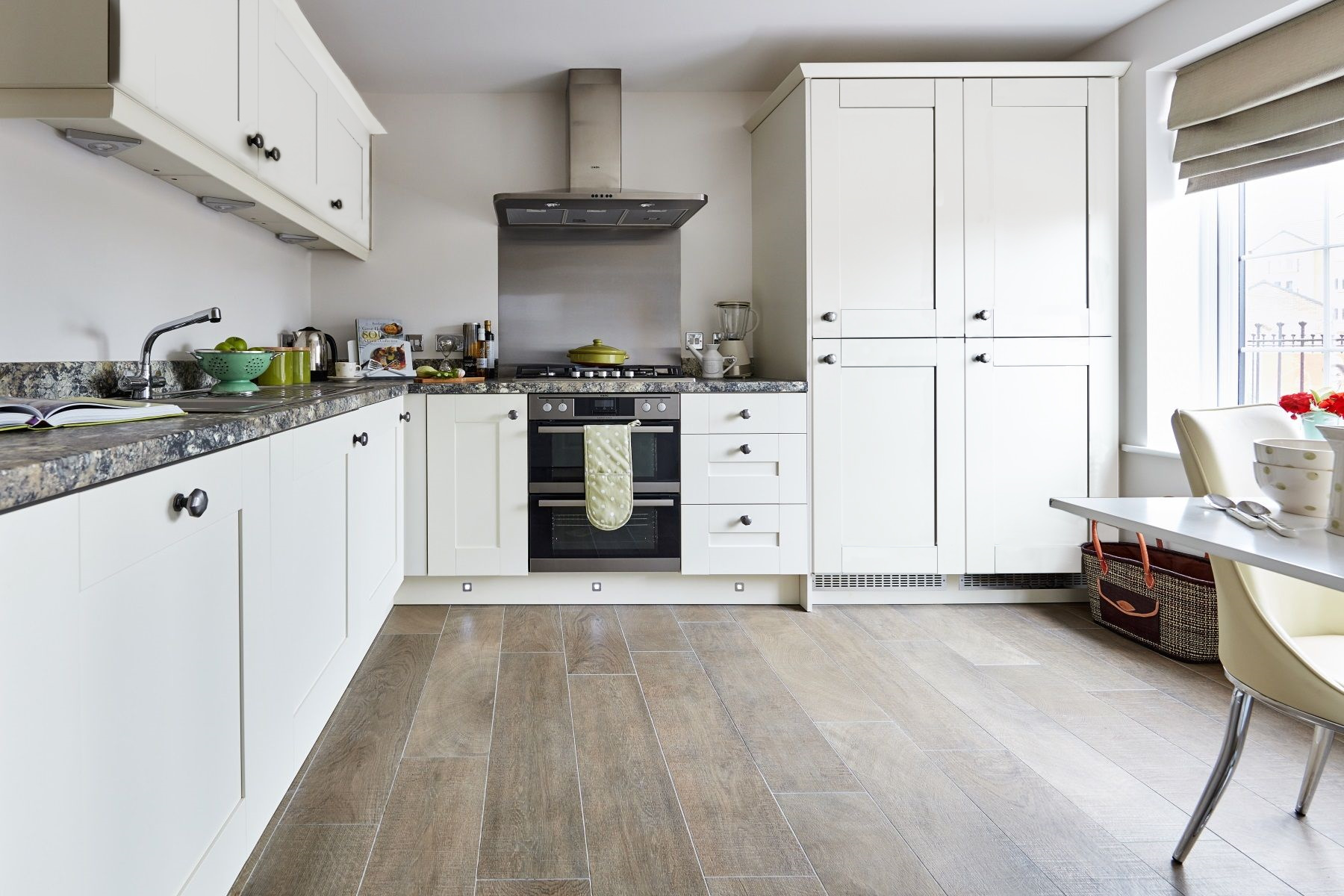 TW Exeter - Sherford - The Charlbury example kitchen 1A