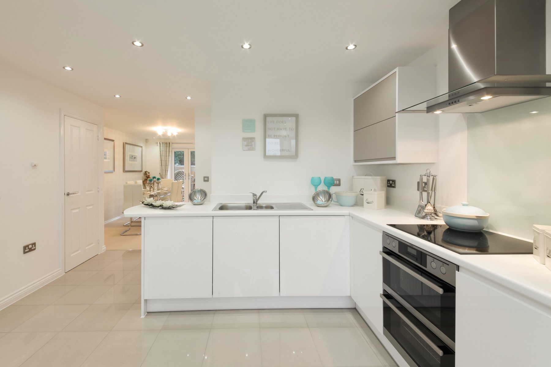 TW Exeter - Sherford - The Danbruy example kitchen 2