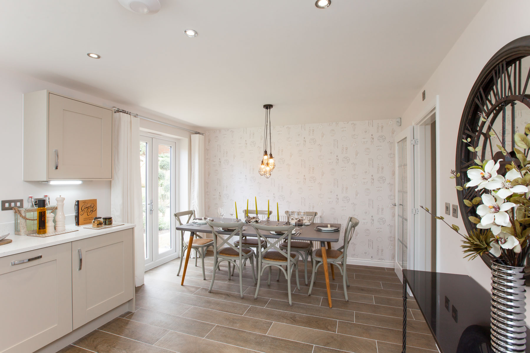 Taylor Wimpey Exeter - Sherford - Willow example dining area