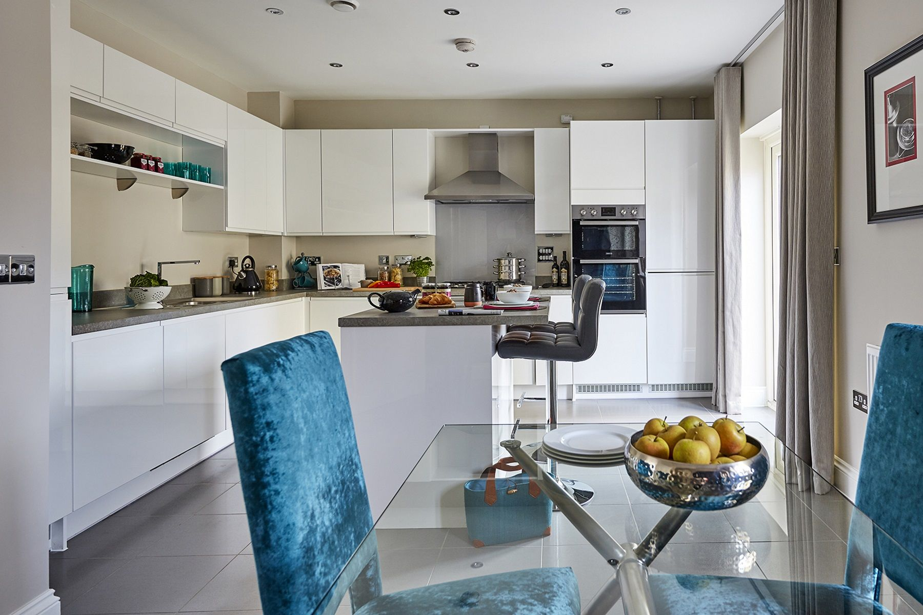 TW Exeter - Sherford - Redwood Show home kitchen