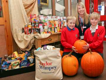 TWManchester - Schools Celebrate Harvest Festival With Cash Boost